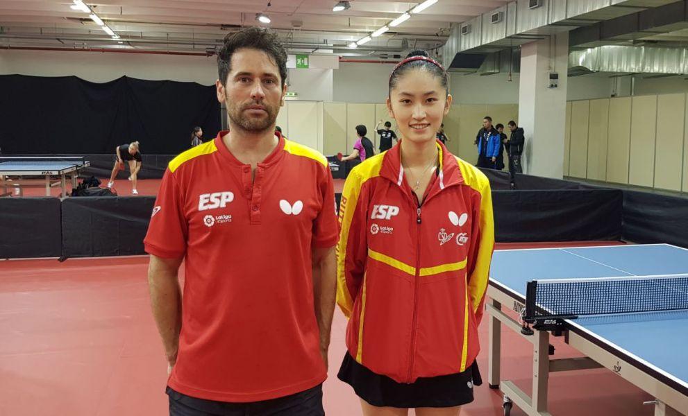 Sofía Xuan Zhang y Daniel Torres, en el Mundial Junior de Tenis de Mesa