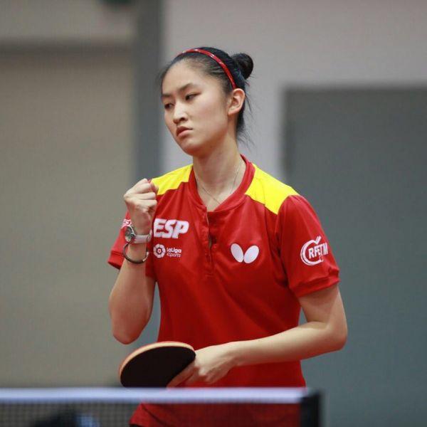 Sofía Xuan Zhang, disputando el Campeonato del Mundo Junior de Tenis de Mesa