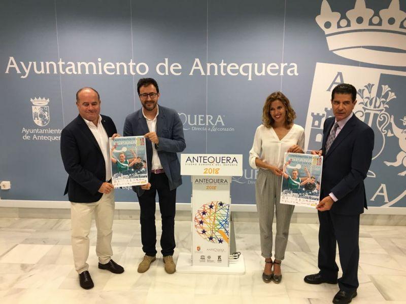 Manuel Barón, Alcalde de Antequera; Miguel A. Machado, Presidente de la RFETM; Eugenia Galán, Concejala de Deportes; y de Ramón Jiménez, Consejero Delegado del Hotel Antequera.