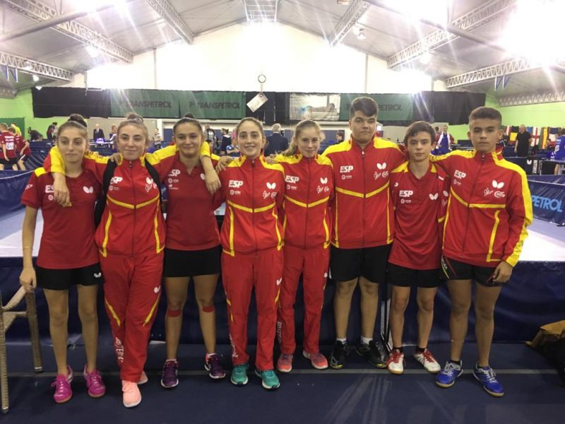Jugadores de la delegación Española de Tenis de Mesa desplazada a Eslovaquia.