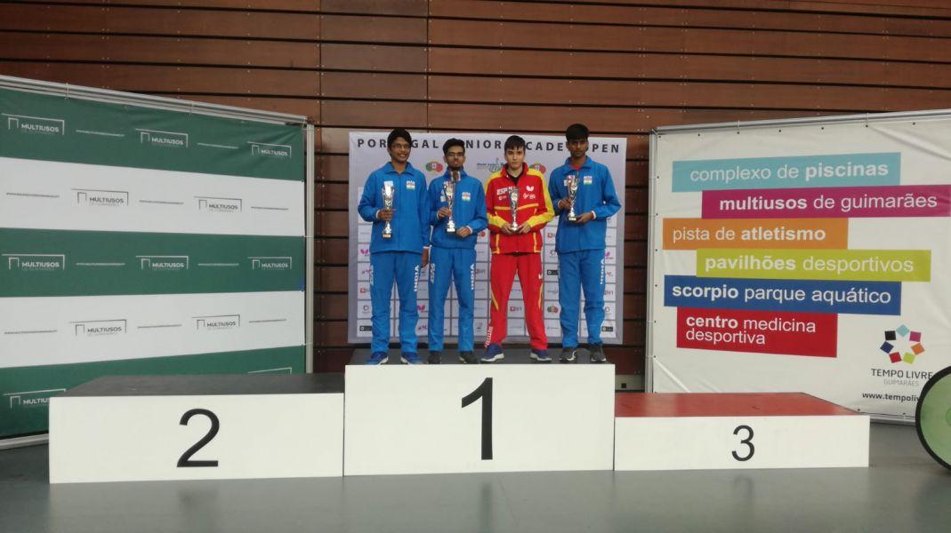 Marc Gutiérrez, en el podio del ITTF Portugal Junior & Cadet Open 2018