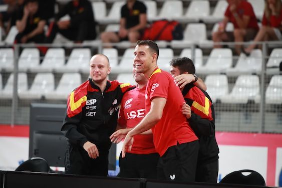 Equipo español tras ganar a Eslovaquia (Foto: ETTU)