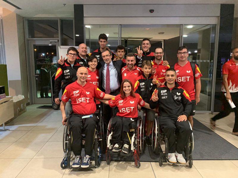 Delegación española recibe la visita del Embajador de España en República Checa