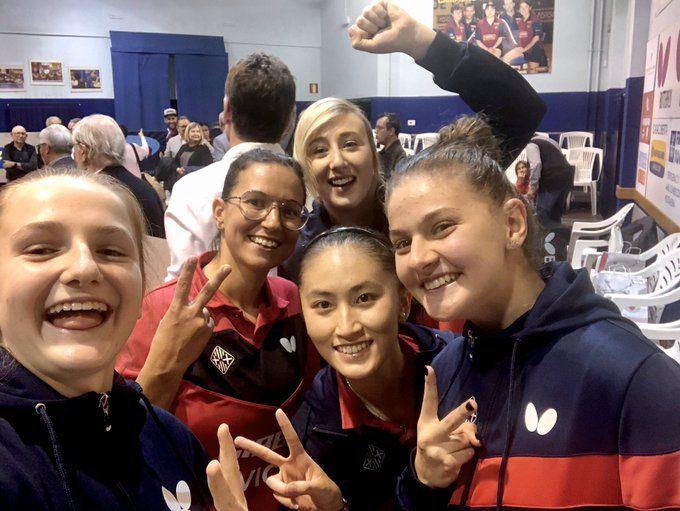 Las chicas del Girbau Vic TT celebran la victoria