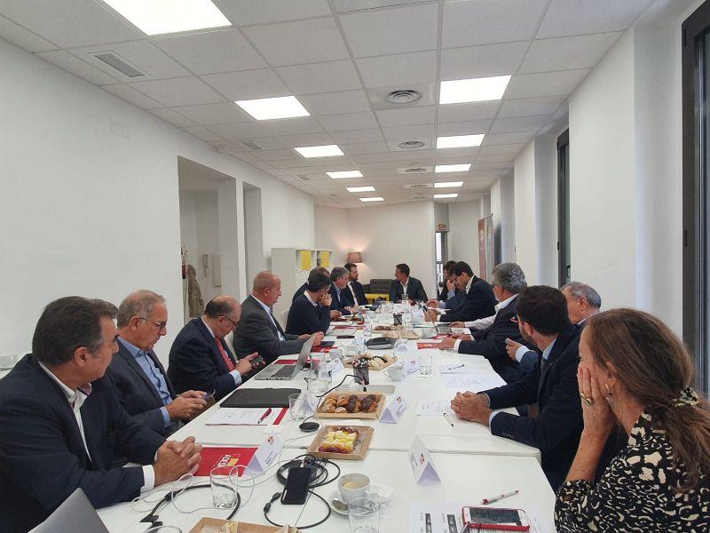 Mesa de trabajo reunión Junta Directiva de ADESP