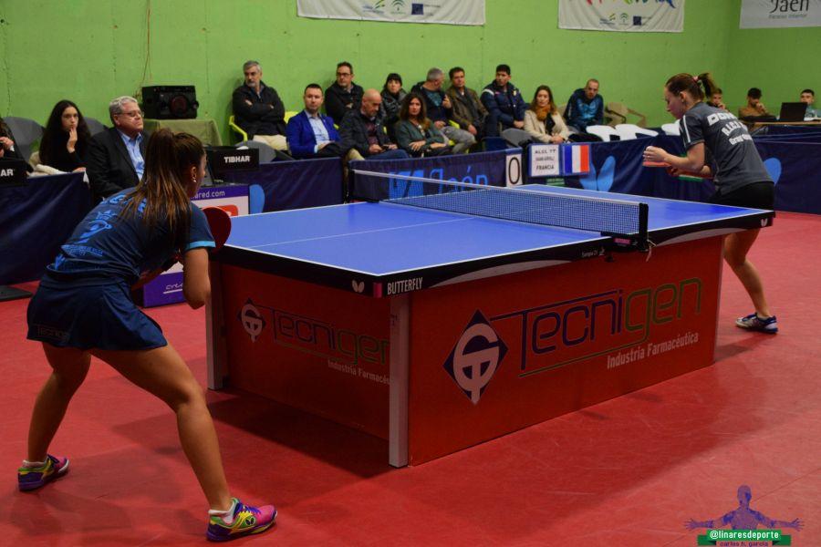 Roxana Istrate vs Galia Dvorak (Foto: Linares Deporte)