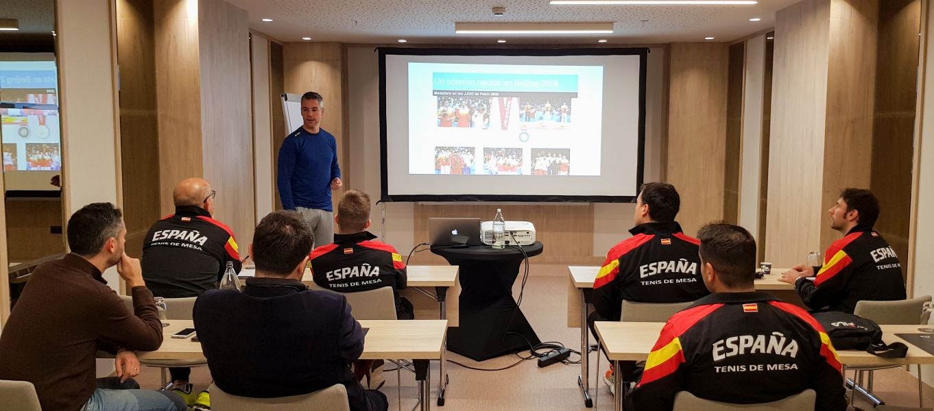 Charla Formativa al grupo técnico-deportivo de la RFETM