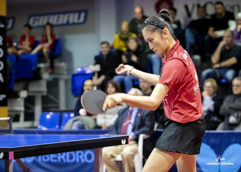 Sofia-Xuan Zhang jugando con Girbau Vic TT