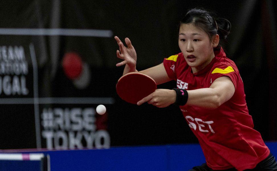 María Xiao disputando el segundo punto ante Gran Bretaña