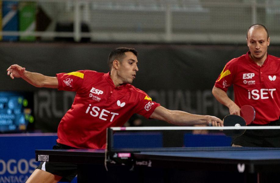 Álvaro Robles y Carlos Machado disputando el dobles ante Suecia (Foto: Álvaro Diaz)