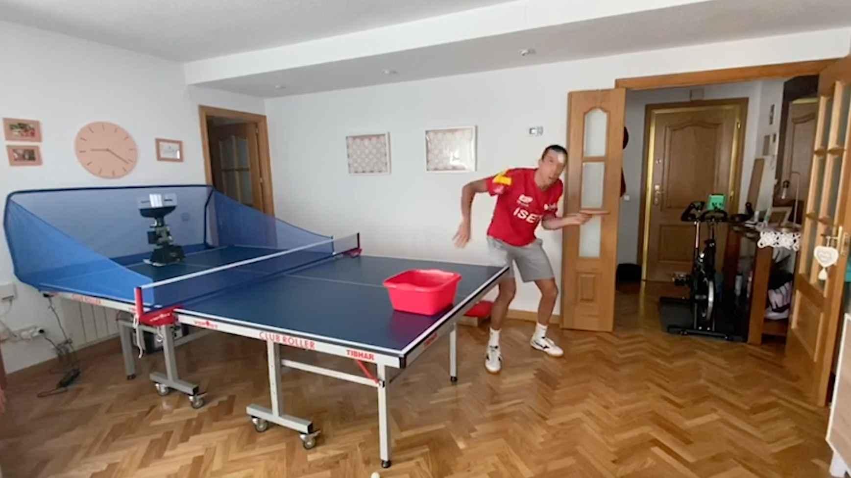 Álvaro Robles enseña como entrena en casa #QuedateEnCasa
