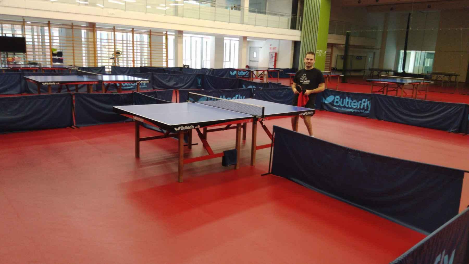 Jordi Morales en la sala de tenis de mesa del CAR San Cugat