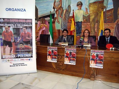 Un momento del acto celebrado esta mañana en el Salón de Actos del Ayuntamiento de Rincón de la Victoria.