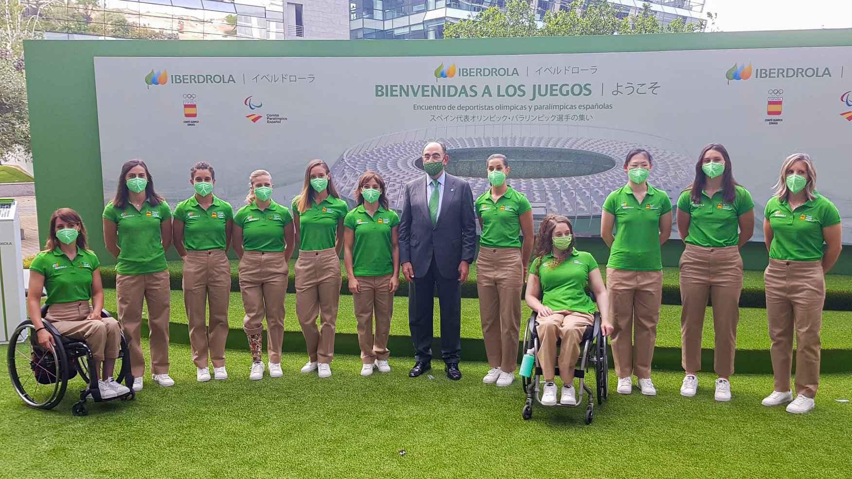 Foto de familia Acto Despedida Deportistas Olímpicas y Paralímpicas de Iberdrola (Foto: Alvaro Diaz)