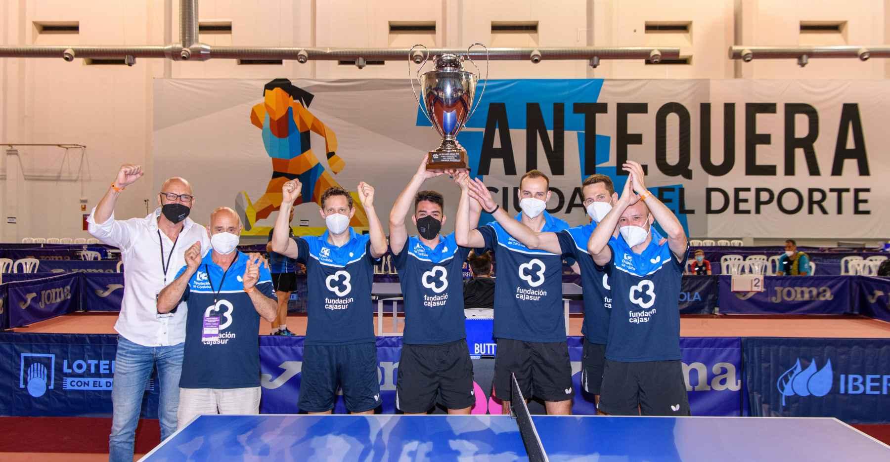 El Real Cajasur Priego TM recoge su trofeo como Campeón de la Superdivisión Masculina 2020/21