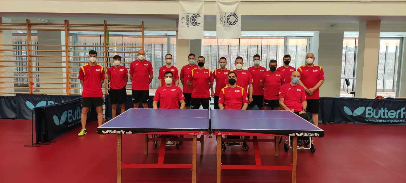 Equipo Paralímpico Español de Tenis de Mesa en la concentración en Sant Cugat