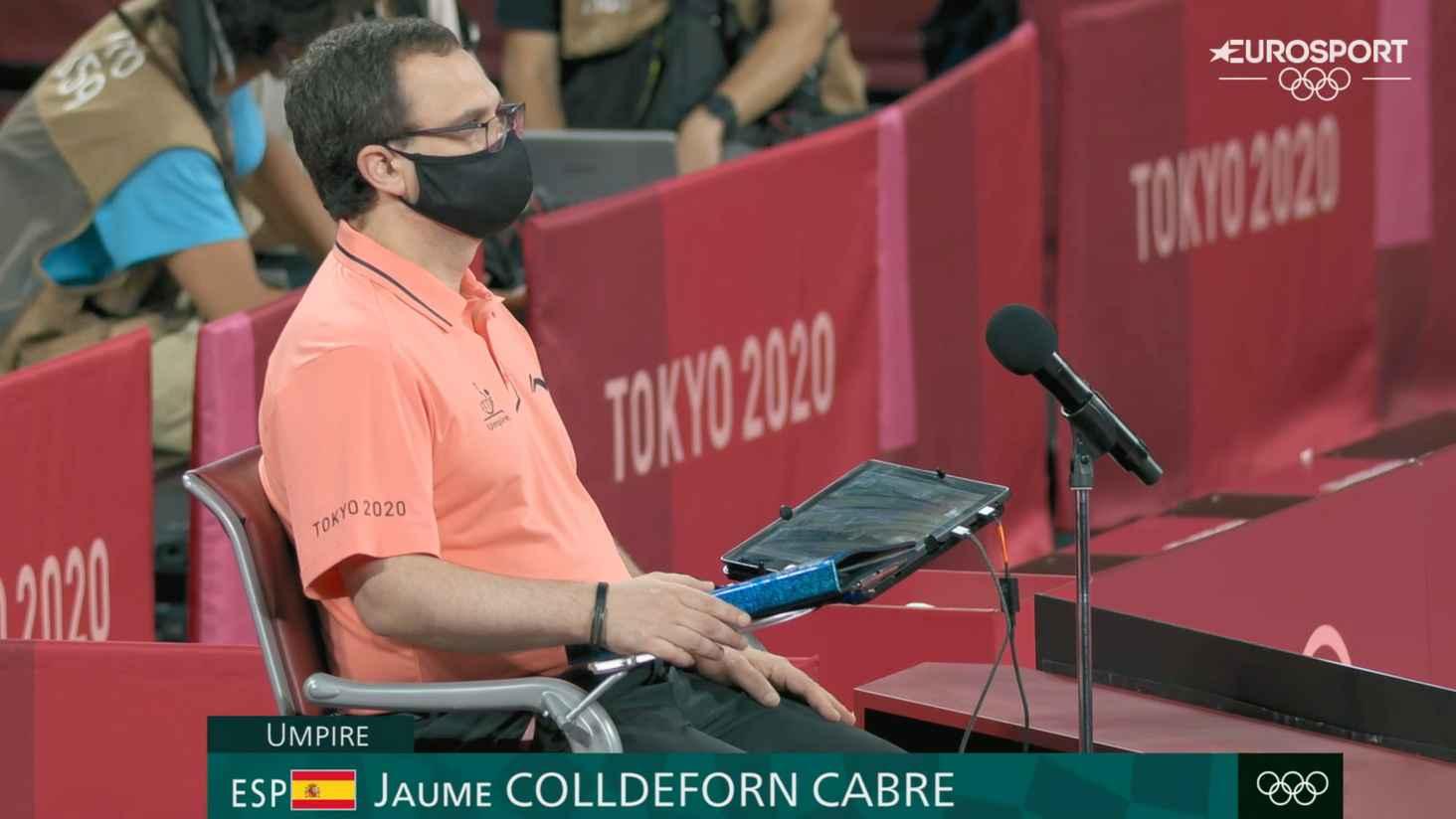 Jaume Colldeforn arbitrando la final de dobles mixto en los Juegos Olímpicos (Foto: Eurosport)